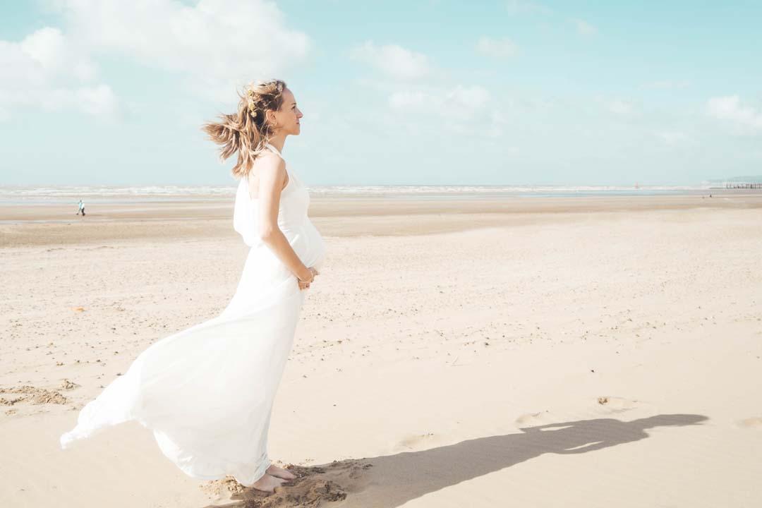 AURA - BEACH MATERNITY PHOTOSHOOT